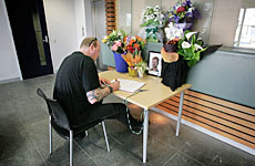 Members of the public have been writing messages of support at Manukau Police Station. Photo / Herald on Sunday