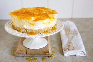 Vanilla cheescake with orange marmalade. Photo / Babiche Martens