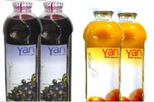 Yan Blackcurrant and Peach fruit juices.