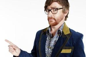 Comedian Rhys Darby has been chosen to front the 2degrees advertising campaign.