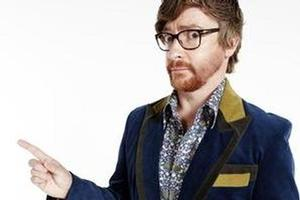 Comedian Rhys Darby has been chosen to front the 2degrees advertising campaign as it seeks to capture market share from Vodafone and Telecom.