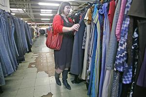 SaveMart says trendy label clothing should be sold to regular customers, not traders. Photo / Herald on Sunday