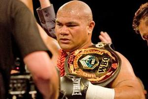 David Tua wasted little time on Shane Cameron. Photo / Dean Purcell