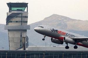 A Jetstar flight departs Christchurch Airport. Photo / Simon Baker.