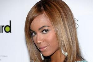 A pregnant Los Angeles woman has filed a paternity case against Beyonce Knowles' father Mathew. Photo / AP