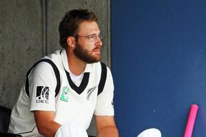 NZC chiefs hope Vettori can cope with his shoulder injury. Photo / Getty Images
