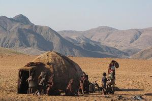 A home of the Himba tribe in Northern Namimbia. Photo Wikipedia Commons / James Whatley