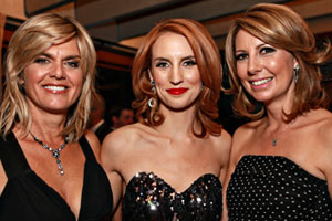 Leanne Malcolm, Samantha Hayes and Carolyn Robinson at Nightline's 20th anniversary celebration. Photo / Norrie Montgomery