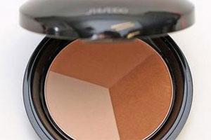 Shiseido Luminizing Colour Powder. Photo / Natalie Slade