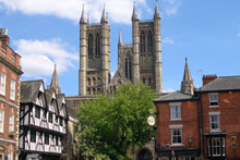 With the sight of Lincoln Cathedral in the background you can travel on narrow, cobbled lanes which take you through a variety of boutiques, shops and pubs. Photo / Lincoln Tourism