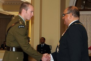 Lieutenant Timothy O'Donnell receives his Distinguished Service Decoration from the Governor-General. Photo / NZDF