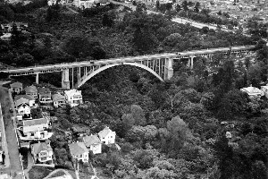 Aerial view of Grafton Bridge, 1936. File photo / NZ Herald