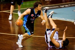 Kirk Penney in action for the Breakers. Photo / Dean Purcell