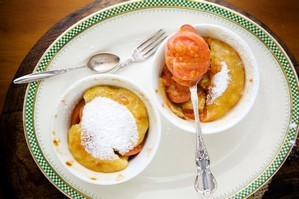 Guava sponge puddings. Photo / Babiche Martens