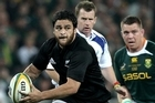 A slimline Piri Weepu takes the attack to the Springboks. Photo / Getty Images