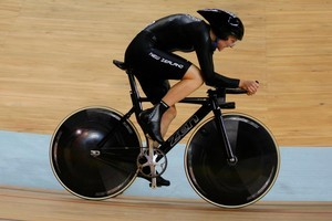 Alison Shanks competes at the Laoshan Velodrome in Beijing in 2008. Photo / Kenny Rodger