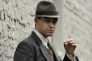 Antony Starr plays trickster Syd  Ross in  Spies and Lies . Photo / Supplied
