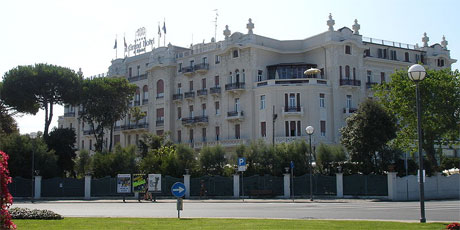 The Grand Hotel Rimini, beloved of film maker Federico Fellini, will close for the European winter as the economic crisis continues to bite.