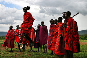 The Masai seem like elegant figures painted with two strokes of a brush - one red, one black - on to the Kenyan landscape. Photo / Creative Commons image by Dmitri1999 at en.wikipedia
