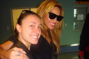Beyonce with Samantha Bellingham at Auckland International Airport. Photo / Samantha Bellingham
