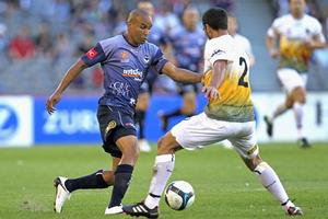 Archie Thompson of the Victory controls the ball during the A-League match between the Melbourne Victory and Wellington Phoenix. Photo / Getty Images