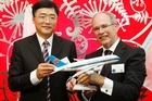 CEO of China Southern Airlines Mr Wangeng Tan and Auckland mayor Len Brown. Photo / NZPA