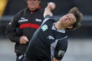 Shane Bond is a huge loss for the New Zealand cricket side. Photo / Getty Images