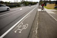 The cycle lane along Lake Rd, heading towards Devonport from Takapuna, on Auckland's North Shore. Photo / Dean Purcell