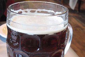 Drinking the odd pint may help prevent bone fractures, according to a US study.