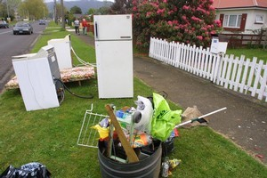 Roadside items for the taking. Photo / Bay of Plenty Times.