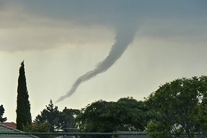 Brett Agnew took this picture of a funnel cloud over the skies of Pakuranga. Photo / Brett Agnew