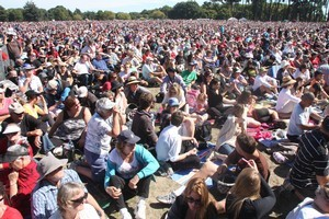The crowd at the Christchurch Memorial Service in North Hagley Park. Photo / Geoff Sloan