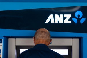 ANZ and National Bank customers should be able to use the banks as one, says ANZ chief executive Mike Smith. Photo /Dean Purcell
