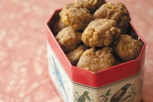 Anzac biscuits from The Aunt Daisy Baking Book. Photo / Supplied