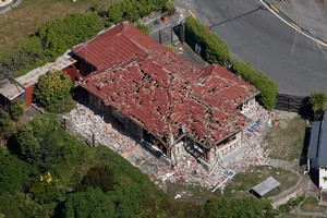 Thousands of damaged Christchurch houses could be recladded easily, says a team of engineers. Photo / Brett Phibbs