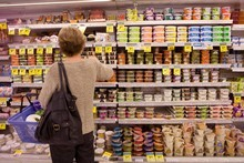 Shoppers do not always distinguish between 'best before' and 'use by' dates on food. Photo / Chris Gorman