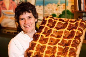 Yael Schochat from Ima with her delicious hot cross buns. Photo / Babiche Martens