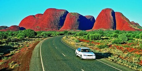 Driving the Lasseter Highway to Uluru-Kata Tjuta National Park. Photo / Tourism NT
