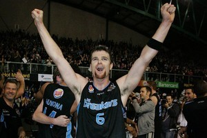 Kirk Penney celebrates after Breakers won the grand final. Photo / Sarah Ivey
