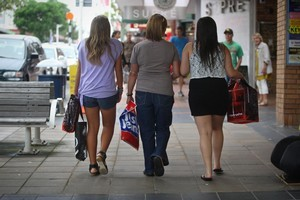 Middle New Zealand enjoys spending up large on their credit cards. Photo / APN