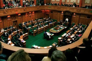 New Zealand MPs are likely to get a pay rise to make up for the loss of their international travel perks later in the year. Photo / Martin Hunter