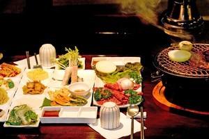 The Ara combination grill is a sensory feast. Photo / Babiche Martens