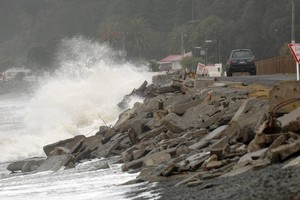 Massive waves, damaging winds, snow and heavy rain are expected to hit the country until early next week. File photo / NZPA