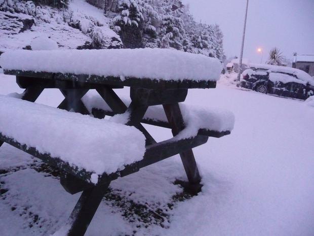 Snow in Goldfield Heights, Queenstown. Photo / Matthew Judd