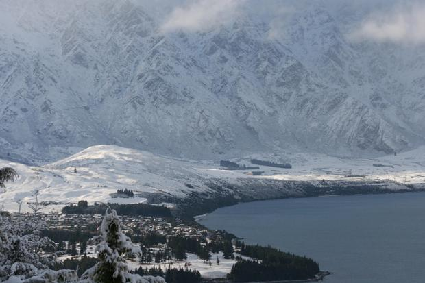 Snow in queenstown. Photo / Alison Metherell