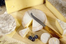 A tip: Always order cheese before dessert and never have it served with crackers. Photo / Thinkstock