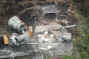 Rising gas levels are still stopping workers from recovering the bodies of the 29 trapped men inside the Pike River Coal mine. Photo / NZPA