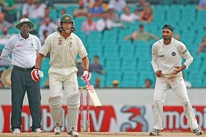 Andrew Symonds (L) accused Harbhajan Singh (R) of calling him a 'monkey' in 2008. Photo / Getty Images