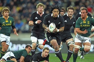 Ma'a Nonu of the All Blacks breaks the South Africa defence. Photo / Getty Images