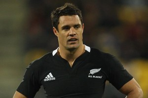 The high cost of All Blacks rugby jerseys sold in local shops highlights the need for online overseas purchases to be subject to New Zealand taxes, say retailers. Photo / Getty Images